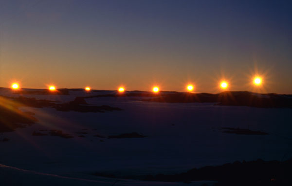 Antarctica sunset  dans immagini per contemplare casey-summer-sunset